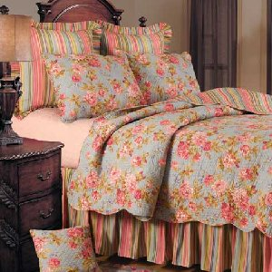 Claras Blue Rose Quilt Bedding Set