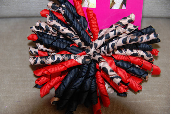 Lipstick Jungle Curly Bow