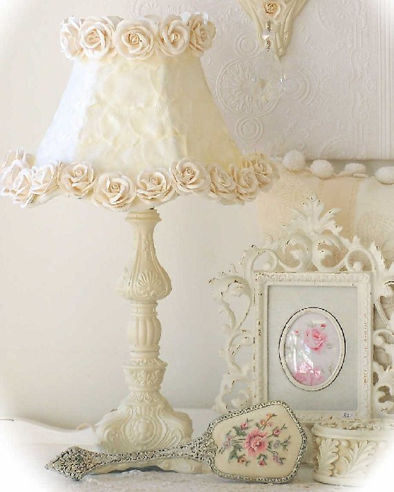 vintage ornate lamp with cream rose shade the frog and the princess. Black Bedroom Furniture Sets. Home Design Ideas
